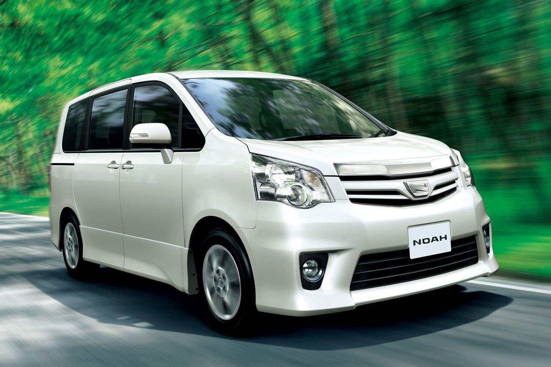 Фото Toyota Noah